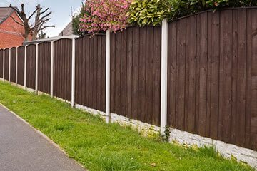 Example of fencing work by Bristol gardening company Bark and Gardens